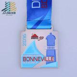 Personalizzare il trofeo e la medaglia antichi del metallo di maratona 10k di 70mm con il nastro
