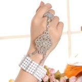 Braccialetto in lega di zinco placcato oro del Rhinestone della CZ di modo e braccialetto stabilito dell'anello