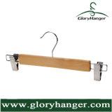 O gancho de revestimento de madeira natural com cuecas grampeia a venda por atacado do gancho