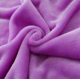 Couverture 100% ordinaire de vente chaude de flanelle de couleur de polyester superbe de doux de qualité