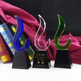 Premi di cristallo su ordinazione del cristallo di colore del doppio del trofeo K9 - incisione libera