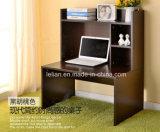 家庭用コンピュータの机、本だなが付いているパソコン表