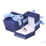 Verpakkende Doos van de Gift van de Juwelen van de Ring Leathetter van de Luxe van de douane de Uitstekende Plastic