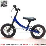 プラスチックフレームの赤ん坊のギフトのための軽量の子供のバランスのバイク