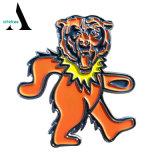 Distintivo su ordinazione di Pin di metallo del leone guasto riconoscente dell'orso