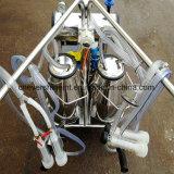 倍が付いている真空ポンプの搾り出す機械はヤギの搾乳器を突進する