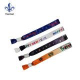 Bracelet tissé par tissu bon marché fait sur commande de festival de polyester pour l'événement