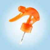 Déclencher le pulvérisateur avec un pulvérisateur à main d'alimentation (CX28/410)