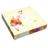 スキンケア製品のためのカスタマイズされたサイズのペーパー装飾的な包装ボックス