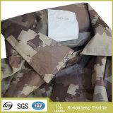 Los militares impresos llanos vendedores calientes 100% del poliester camuflan la tela para la ropa de deportes