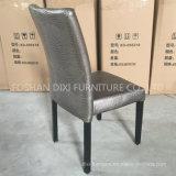 レストランの家具のホテルの宴会の金属は木製の椅子を模倣した