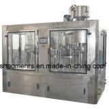 una variedad de máquinas embotelladoas del jugo