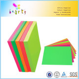 Papel fluorescente de color en colores pastel