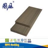 Du grain du bois solide Co-Extrusion Carte WPC Decking composite