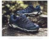 De in te ademen Openlucht Wandelende Mensen Climing van Schoenen voor de Sport van Mensen
