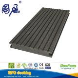 Decking/plancher antidérapage du solide WPC d'utilisation extérieure