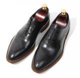 Конструкция Brogue толстой кожи крупного рогатого скота мужчин кожаные туфли одежды