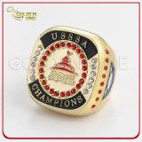 Ring van het Metaal van de Gelijke van het Honkbal van de douane de Glanzende Gouden met Bergkristal