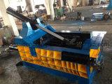 Macchina d'imballaggio di alluminio del ferro d'acciaio idraulico dello scarto