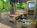 Holzbearbeitung-Maschinerie-Tür, die CNC-Fräser herstellt