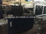 Hydraulischer Deckel, der Maschine bildet