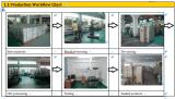 CNC no metal que processa a peça de maquinaria