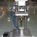 Pneumatische Duftstoff-Schutzkappen-quetschverbindenund tappende Maschine