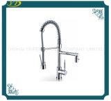 Faucet longo montado plataforma do bico para a cozinha