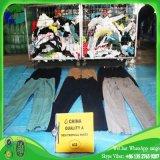 Guangzhou-Großhandels-Kleidung der verwendeten Handmänner der Kleidung-Mann-tropischen Hosen-zweite Kleidung