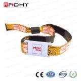 Wristband tessuto tessuto su ordinazione di festival stampato marchio RFID per l'evento