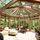Sunroom econômico com as portas do metal para o Teahouse