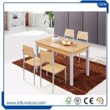 Rattan ao ar livre poli da mobília de Seater da parte superior de tabela 4 do MDF da madeira que janta o jogo
