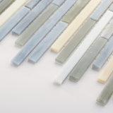 Ducha del diseño del corte de la mano y azulejos de mosaico manchados pared de la cocina