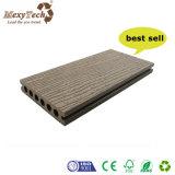 Suelo al aire libre impermeable de Brown WPC del grano de madera caliente de la venta
