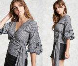 Кофточка шотландки рубашки 7-Sleeve заказа тавра плиссированная V-Шеей