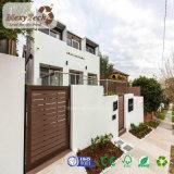 Cerca de madera compuesta barata al aire libre del aluminio WPC del jardín con la puerta