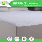 中国の製造者のホーム寝具の綿およびポリエステル100%防水マットレスの保護装置によって合われるシート