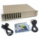 100m 1000m 10g Centerlized Media Converter Rack 16 17 emplacements Convertisseur de support fibre optique