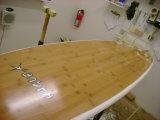 Skir en bambou creuse les planches de surfing en bambou