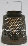 旧式で装飾的な円形の電流を通された金属のランタンW/LEDの電球