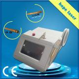 Portable 980nm Laser veines par voie non invasive Vascular dépose de l'équipement de beauté avec un bon effet