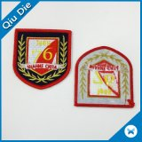100% bordado etiqueta de vestuário de venda a quente Merrow Emblems for Jackets