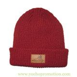 100% полиакрил зимой Beanie трикотажные Red Hat с наклейки из натуральной кожи