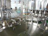 Remplissage automatique de l'eau minérale de qualité