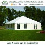 Tenda della tenda foranea utilizzata per la chiesa di evento di mostra della festa nuziale