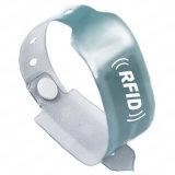 Kundenspezifischer Offsetdrucken RFID Kurbelgehäuse-Belüftung HFWristband mit Drehknopf