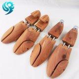 ヒマラヤスギの木製の作成習慣2の管の靴の木