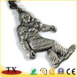 動物亜鉛金属のゴリラのキーホルダーのオランウータンのキーホルダー
