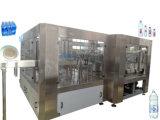 Het Vullen van de drank Machine om Zuiver Mineraalwater Te bottelen