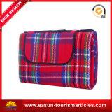 Coperte rosse di picnic della peluche di natale stampate commercio all'ingrosso